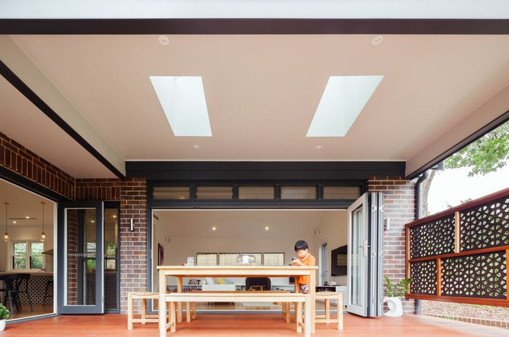 Indoor outdoor space at the Killara House by Bijl Architecture. Photo: Katherine Lu