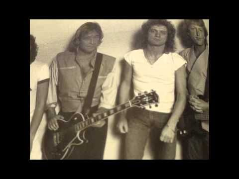 FOREIGNER..WAITING FOR A GIRL LIKE YOU UNPLUGGED NEW - YouTube