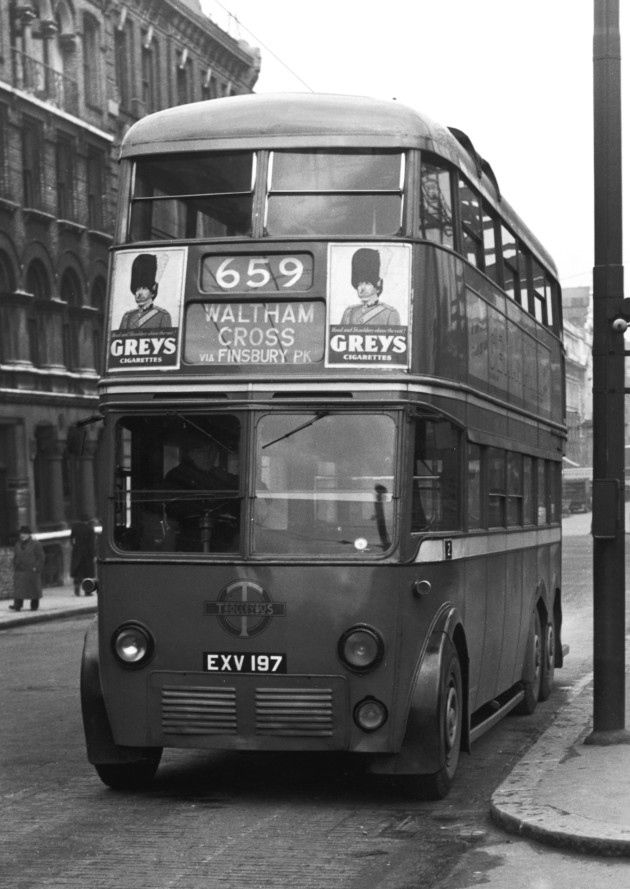 The number 659 London Transport Trolleybus on its way to Waltham Cross via Finsbury Park, circa 1950. (Photo by Gordon Cradock/Hulton Archive/Getty Images)