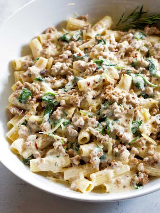 Creamy Sausage And Spinach Pasta The Girl Who Ate Everything Recipe Sausage Dinner Ground Sausage Recipes Italian Sausage Recipes