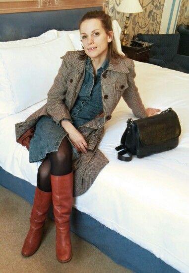 Actress Veerle Baetens. 'The broken circle Break down'. Interview in London with Nathalie Verlinden boots & bag !!