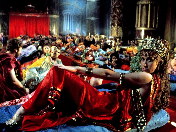 Helen Mirren Reveals Her Favorite Nude Scenes Were for Caligula: 'Everyone Was Naked' http://www.people.com/article/helen-mirren-talks-nude-scenes