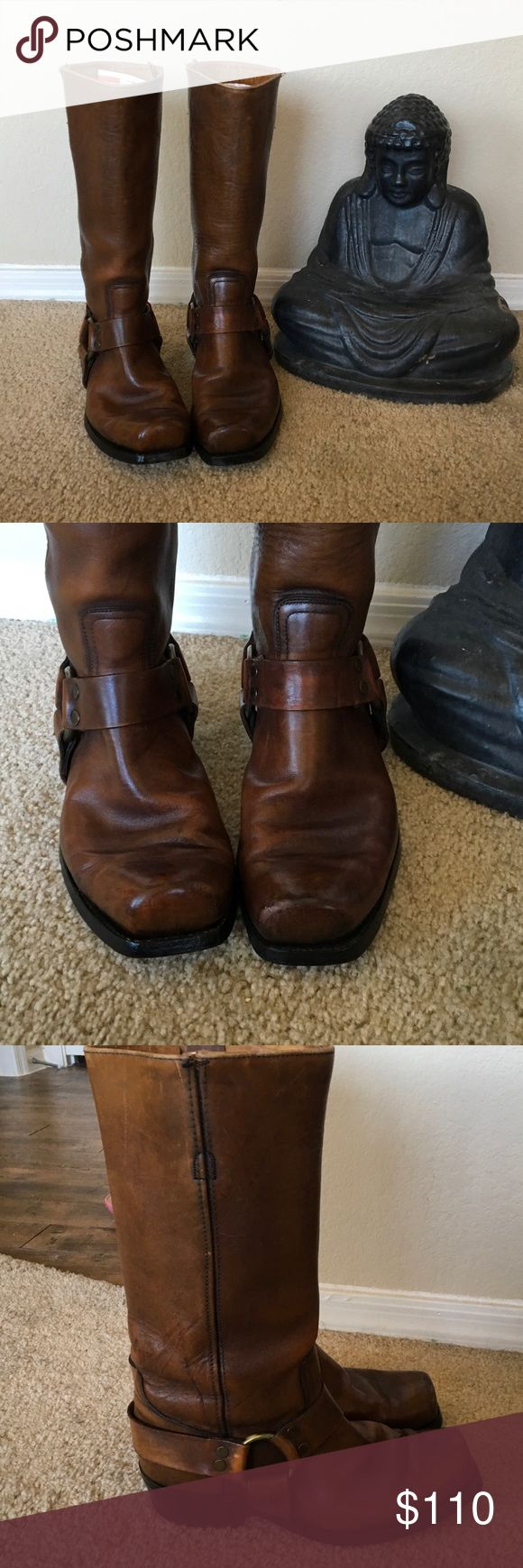 FRYE Men's Classic Saddle Brown BOOT sz. 9D PRe-owned tall square toed leather saddle brown men's BOOTS in very good wearable condition.  Leather  has a great patina that comes from wear & caring for them w/leather balm . Heels like NEW,SIZE 9D. Stirrups inside.Brass hardware Just polished BOOTS Frye Shoes Boots