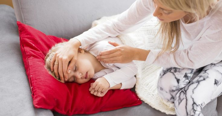 A high fever and chills in a toddler is the body's way of saying that something out of the ordinary is occurring. Possible causes include a viral or bacterial infection. If your toddler has a fever higher than 102 degrees Fahrenheit, contact her pediatrician immediately. A toddler refusing to eat or drink is also a reason for concern. When in...