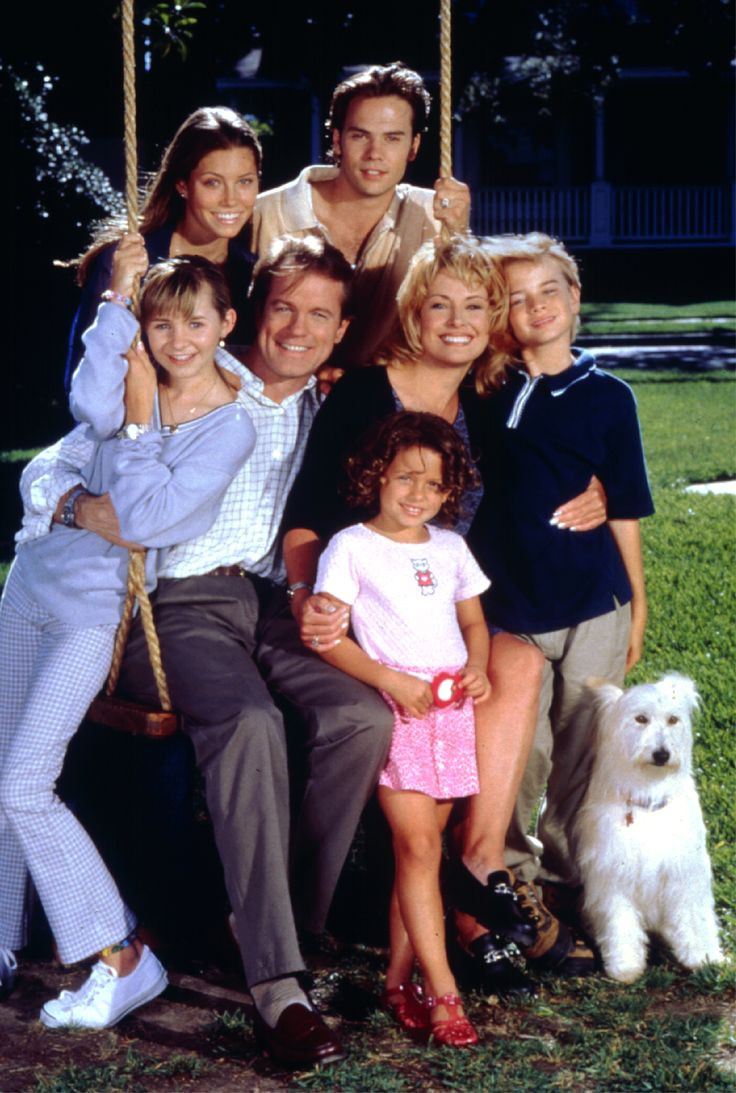 7th Heaven, one of the best TV shows ever. I've been re-watching 7th heaven and jgshakssjh it's so amazing