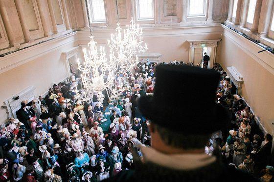 Jane Austen -pukuparaatin osallistujia Bathissa lauantaina oli 550.