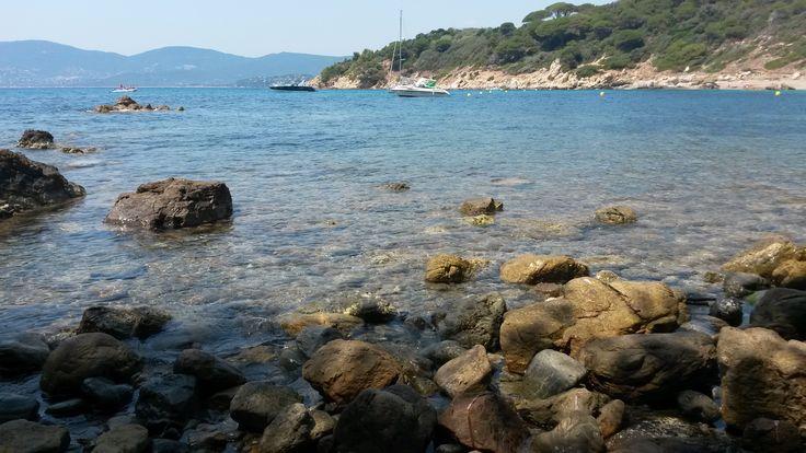 La plage des brouis, une petite pause particulièrement agréable sur le chemin...