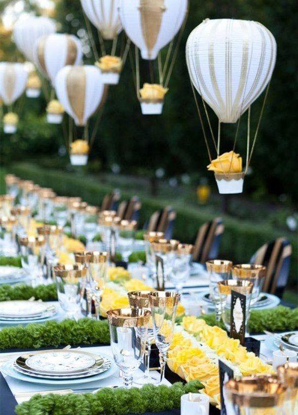 10 Unbelievably Creative Wedding Centerpiece Ideas: #3. Mini Hot Air Balloons