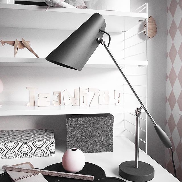 Last chance to be a part of my giveaway with @interior_deluxe_ to win this amazing lamp 👉 see earlier post #giveaway #interiorinspiration #abitohjem #asafotoinspo #bobedre #boligliv #lampe #room123 #roomdesign #roomforinspo #inspotoyourhome #piiatuuli #passion4interior #instadecor #inspotoyourhome #interior_and_room_inspiration #interiorinspiration #interiordesign #interiorinspo #nordiskehjem #jenterom #girlsroom