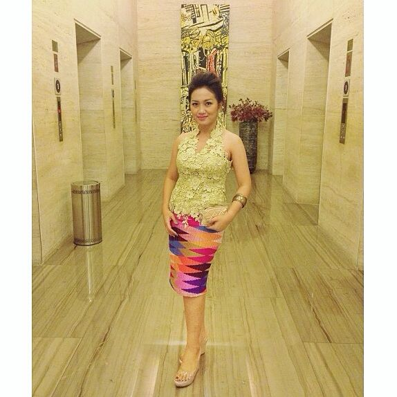I wore tenun rangrang and prada.