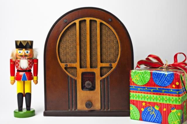 Stream Free Christmas Music With These Online Holiday Radio Stations
