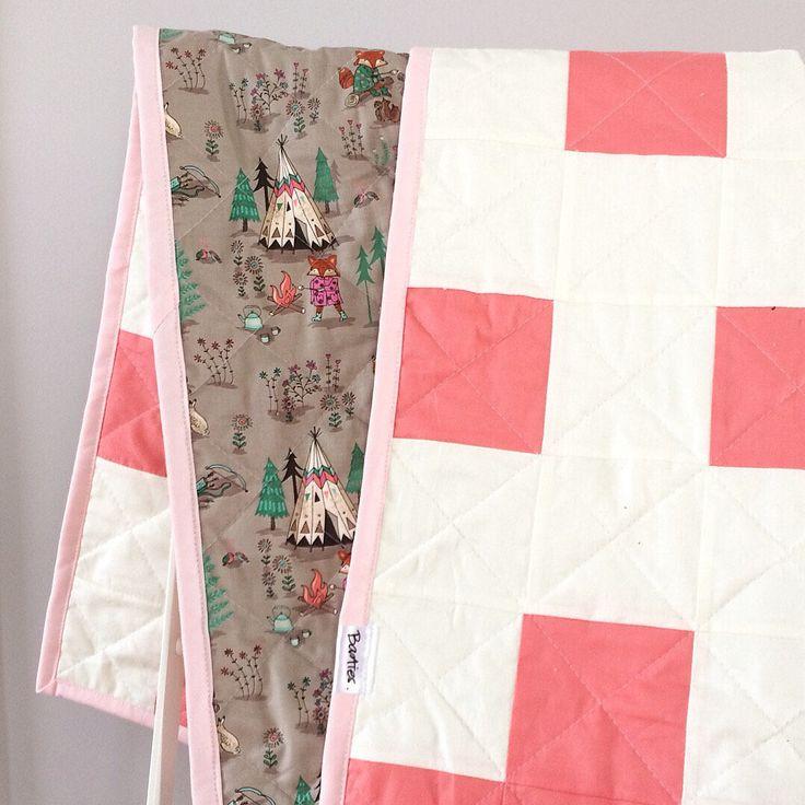Basties Modern baby quilt https://www.etsy.com/ca-fr/listing/476443215/courtepointe-moderne-tipi-faite-a-la