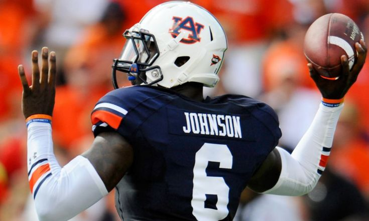 Former Auburn quarterback signs with Lions
