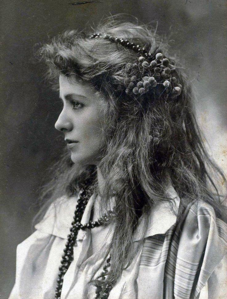 Maude Adams - c. 1890 - Imgur