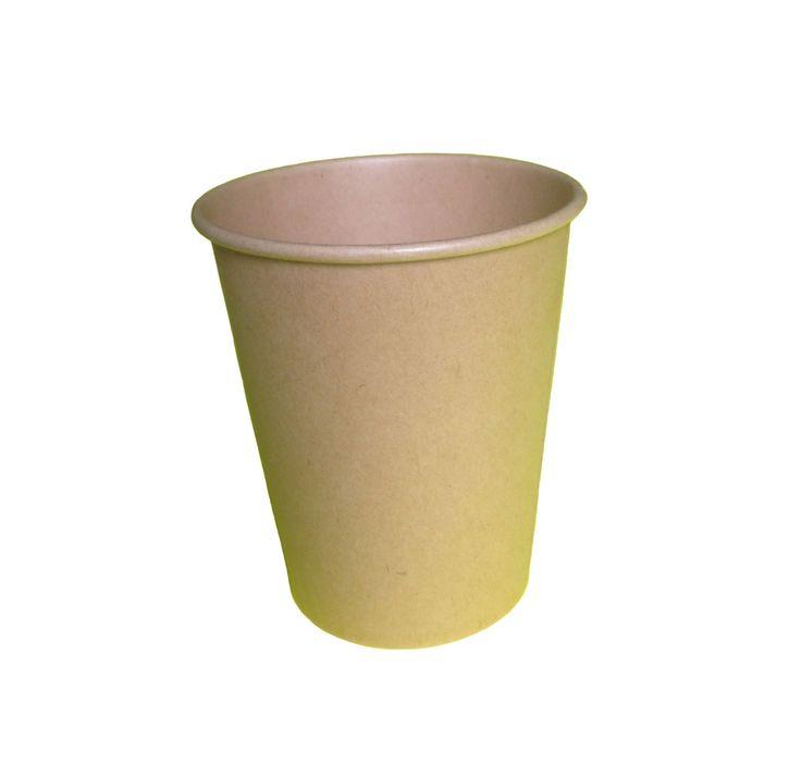 Witte en bruine koffiebekers