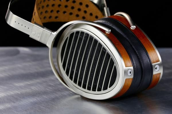 The $3,000 HiFiMAN HE1000 - Tiny Innovations Deliver Massive Headphone Sound Quality The headphone.com offices in Livingston, Montana have a spectacular close-u