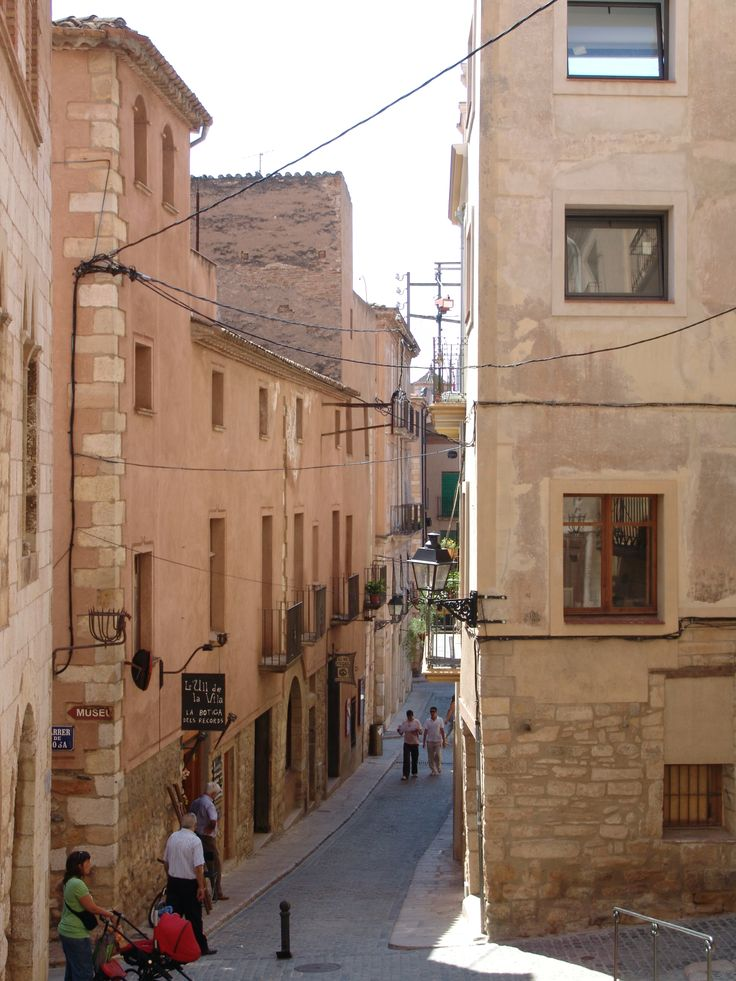 By Imma Rauet Berges, moltes gràcies. #montblancmedieval #Tarragona #Montblanc #Catalunya #Cataluña #Catalonia #Catalogne #turisme #tourisme #turismo #tourism #trip #travel #viatjar #viatge #viajar #viaje #urban #urbano #urbà #arquitectura #architecture #street_photography #citycenter #RTW #TravelAddict #vacances #vacaciones #holidays #slowlife