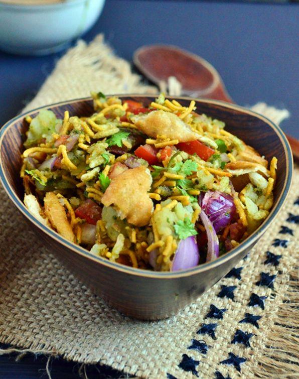 Bhel puri recipe: Delicious and filing snack or light meal,recipe @ http://cookclickndevour.com/bhel-puri-recipe