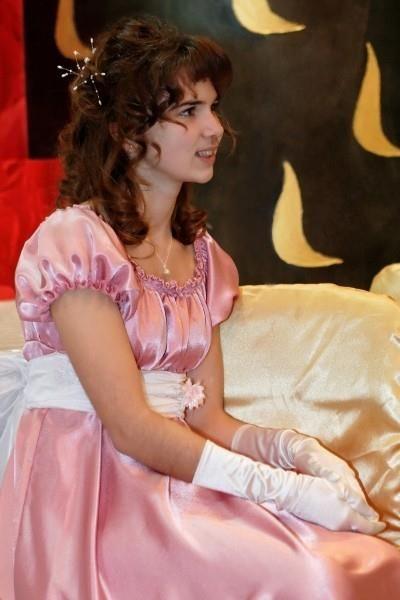 История золушки когда она вышла в красивом платье