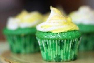Velvet cupcakes, Velvet and Baby cakes on Pinterest