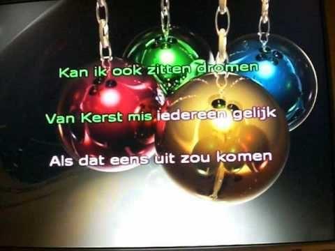 ▶ als ik in een kerstbal - YouTube Mooi liedje, heeft Nienke een keer op school met theater gedaan