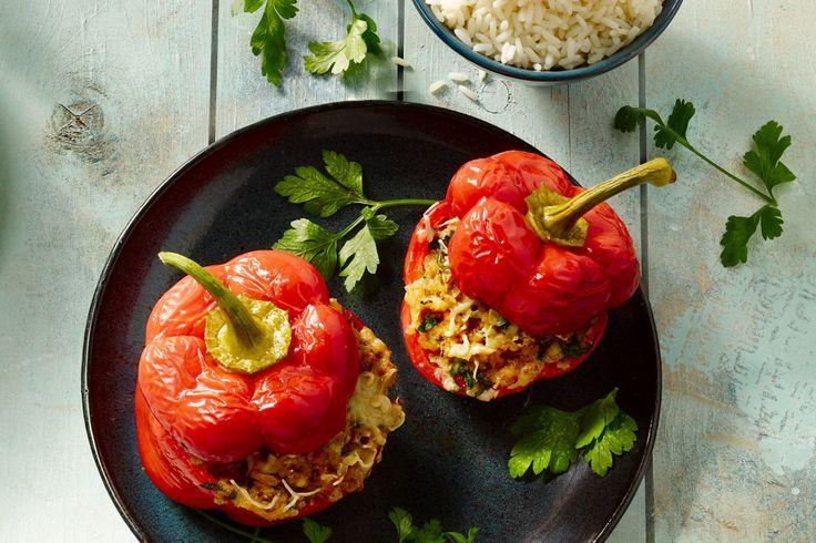 ovenschotel - rundergehakt, rode paprika's, ... - Verwarm de oven voor op 180 °C.