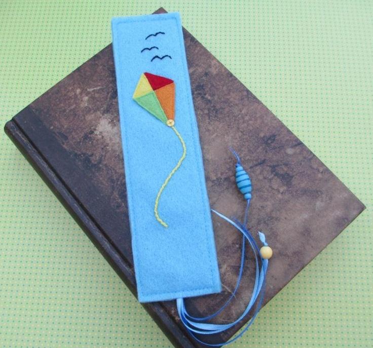 Felt bookmark with kite motif
