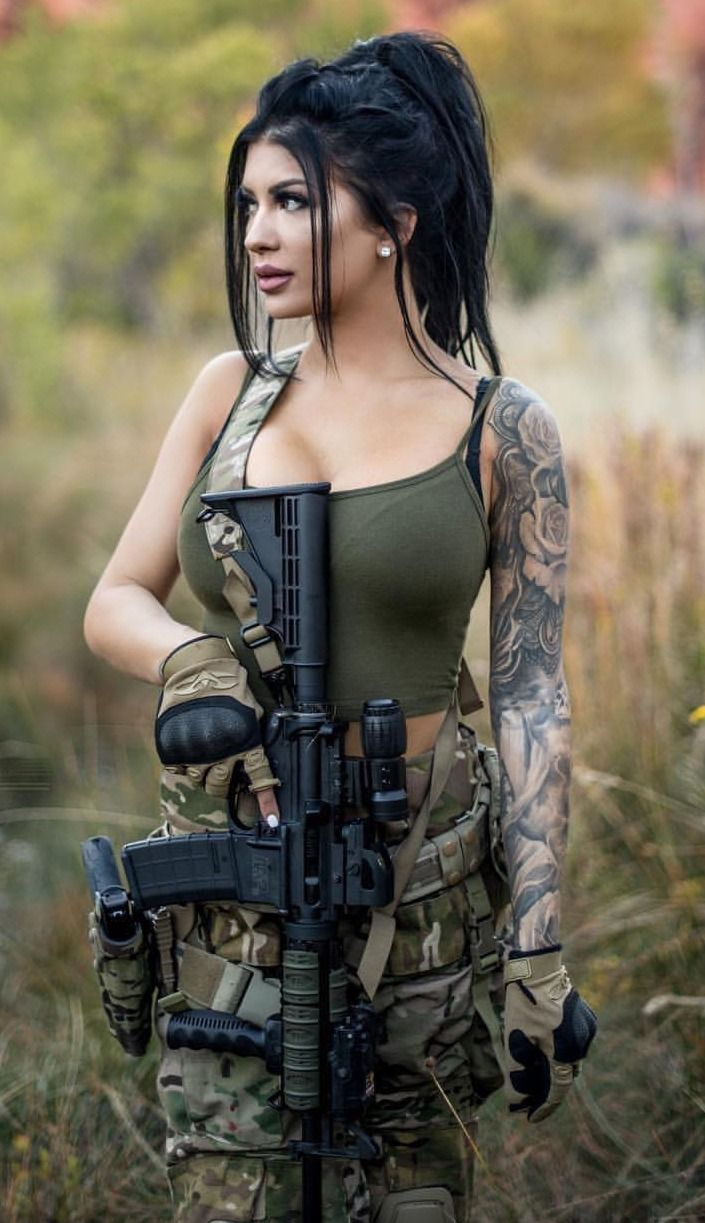Beautiful Girl With Gun Wallpaper Fitbods Tatts And Piercings Military Girl Guns Army