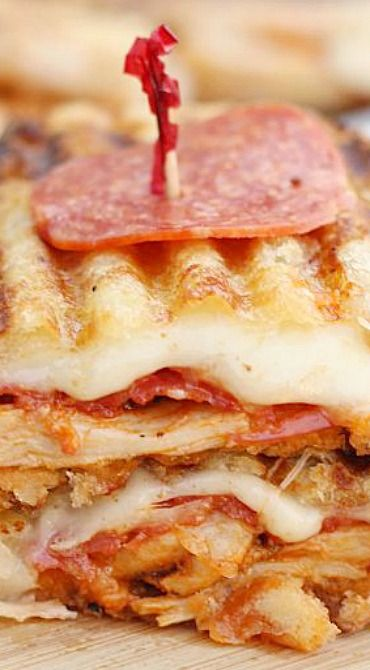 Ever made a panini with Martin's Potato Bread?  Why not give it a whirl for this Chicken Pepperoni Parmesan Panini?