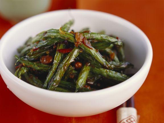 Grüne Bohnen auf chinesische Art ist ein Rezept mit frischen Zutaten aus der Kategorie Hülsenfrüchte. Probieren Sie dieses und weitere Rezepte von EAT SMARTER!