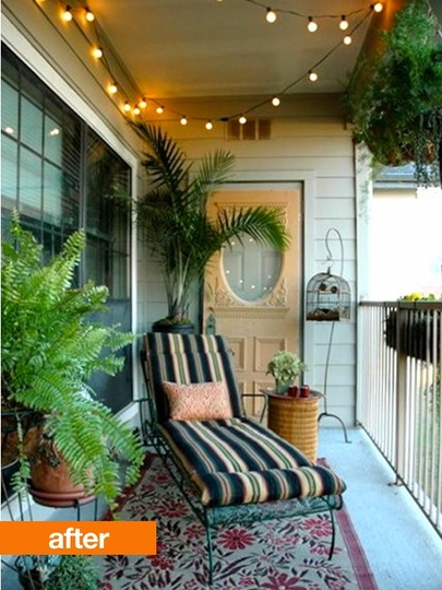 Awesome balcony/porch. Shame that you can't really open the door, but I loooove tea lights. J