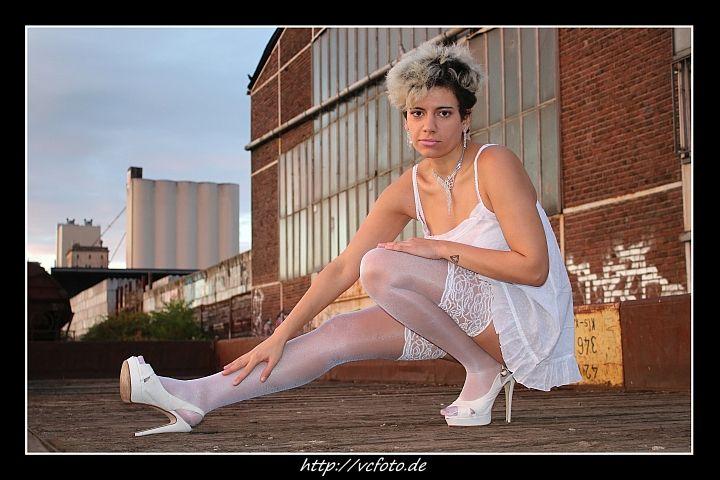 Neue Galerie online! Model J 9 !  http://vcfoto.de/mod/bilder/index.php?site=bilder&id=411  Mal reinschauen und Kommentare da lassen!