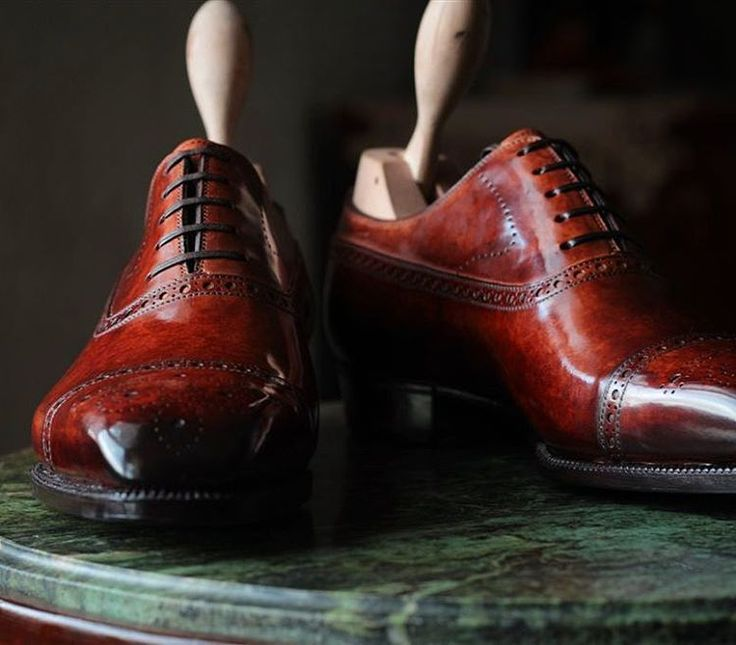 Colours. #meccariello Aurum model Gracchus #captoe #balmoralshoes made with vegetal tanned #calfskin with museum effect
