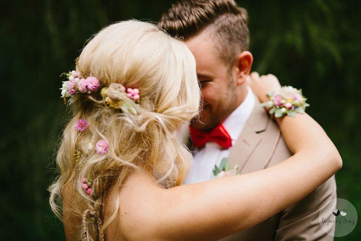INNA Studio_wedding / kwiaty we włosach / fot. Bajkowe Śluby