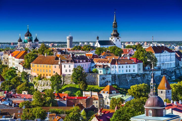 Lonely Planet opublikowało listę 10 miejsc, które w 2016 roku zwiedzimy za nieduże pieniądze.  Dobra wiadomość! Część z nich znajduje się zaledwie kilka godzin drogi od polskiej granicy.  Z tą listą zaplanujesz tanie podróże na przyszły rok.