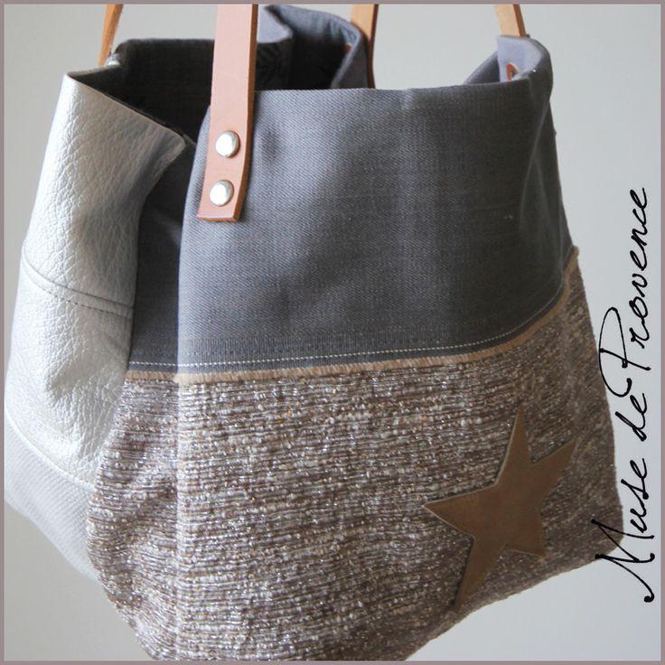 Petit sac cabas création en tissu argenté et en cuir naturel 3