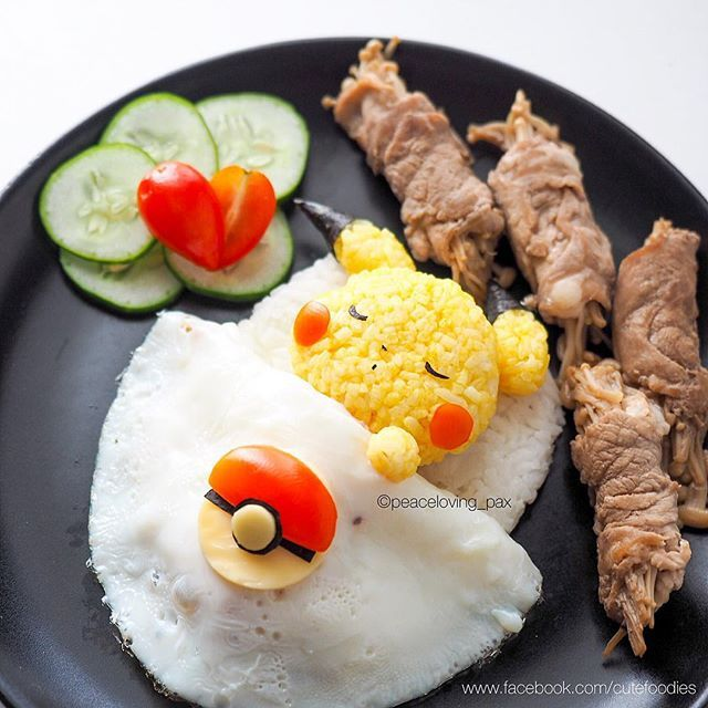 Can I sleep longer? Just tired of being chased by hooman~ โหมะแรง โดนมานุดไล่ตาม วันนี้ขอนอนยาวๆ นะฮับ :3 #pikachu #pokemon #pokemongo #cutefood #foodart #lunch #creativefood