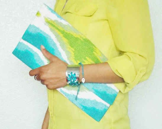 Placemat Clutch   10 Very-Last-Minute DIY Gift Ideas