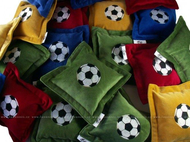 Polštářek s míčem pro malé i velké kluky 20x20cm  Cena: 128,00 Kč  Kód: POV0084  Dostupnost: 2-5 prac.dní