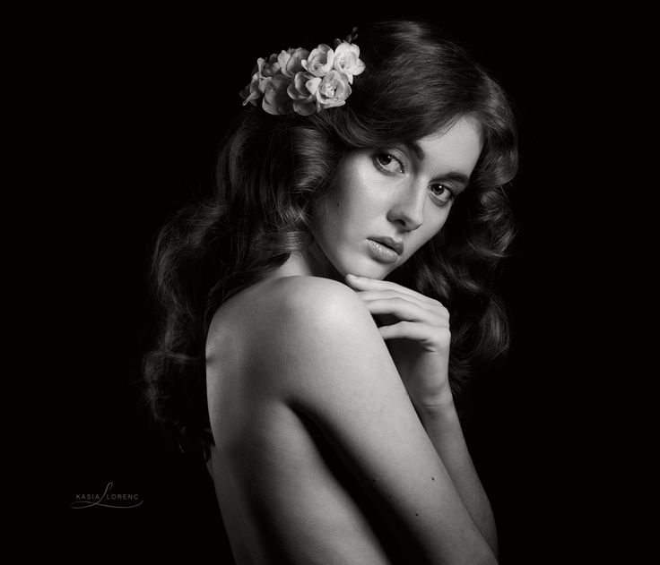 #kasialorencfotografia #woman #art #artist #model #kasiatkaczyk #portrait #eyes #session #sensual #photographer #photo #blackandwhite #blackandwhiteisworththefight #pinterest #instagram #sulejowek #warszawa