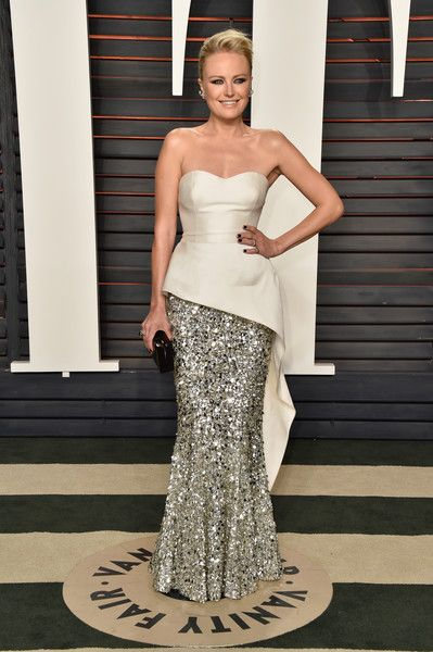 Malin Akerman Photos - Actress Malin Akerman attends the 2016 Vanity Fair Oscar Party Hosted By Graydon Carter at the Wallis Annenberg Center for the Performing Arts on February 28, 2016 in Beverly Hills, California. - 2016 Vanity Fair Oscar Party Hosted By Graydon Carter - Arrivals