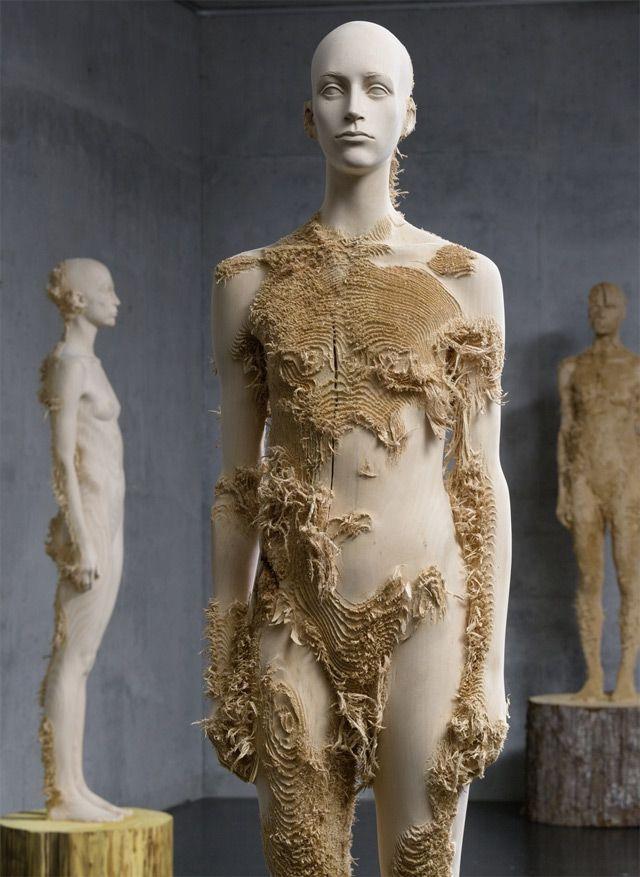New Distressed Wood Figures by Aron Demetz    http://www.thisiscolossal.com/2013/03/new-distressed-wood-figures-by-aron-demetz