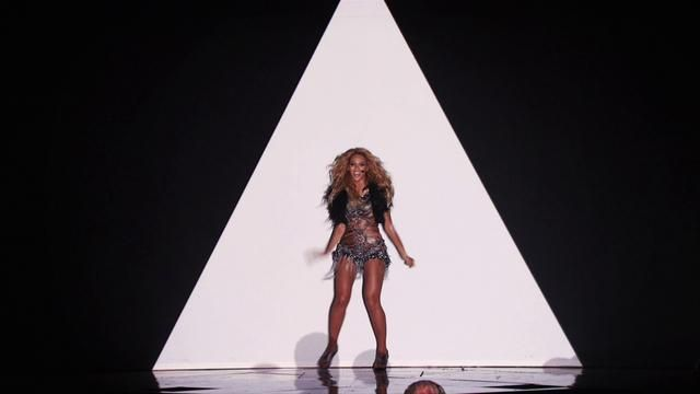 Concepted and directed Beyonce's live 2011 Billboard Awards performance. By integrating projection mapping technology with Beyonce's singular, precise choreography, the show uncannily blurred the line between reality and cinematic illusion.   Creative Director/Director: Kenzo Digital Choreographer:  Frank Gatson, Beyonce Design: Ron Winter, Nicholas Rubin, Bobo Do, Kristin Eddington Animation: Ron Winter, Bobo Do, Drew Arnold, Stefan Moore, Ian Wilmoth Editor: Breathe Editing