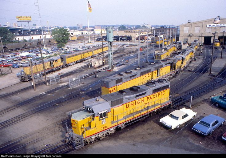 Railpictures Net Photo Up 758 Union Pacific Emd Gp35 At