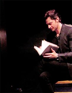 (gif) - Pinter/Proust staged reading in NYC - 16 January 2014  Lovely, graceful hands.  Richard Armitage