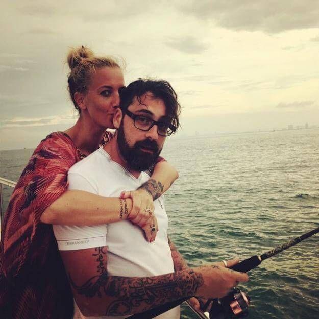 Küsschen für Papa: Charlotte Würdig und Rapper Sidowerden bald wieder Eltern.