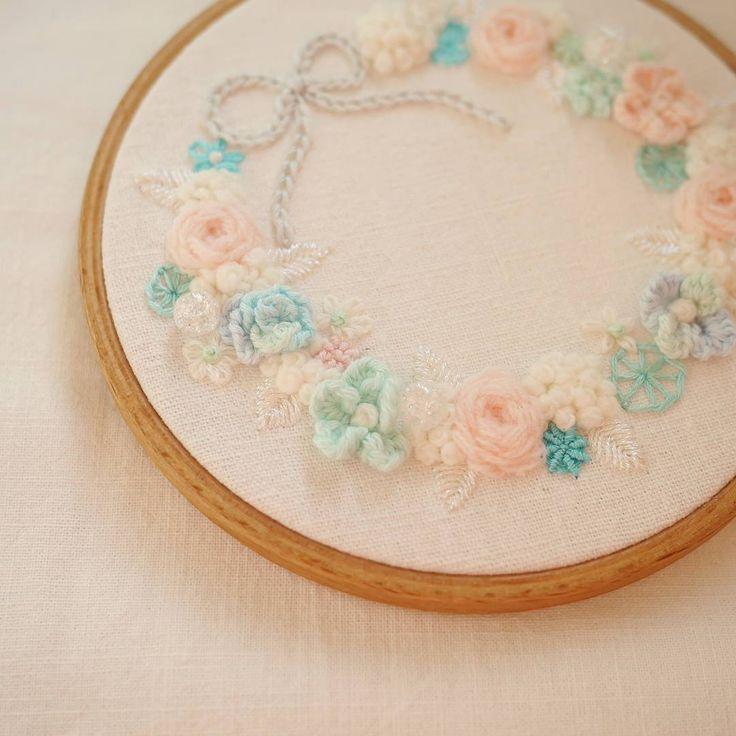 러블리 꽃자수🌹  #꽃자수 #프랑스자수 #서양자수 #입체자수 #embroidery #woolstitch #수틀 #꽃 #자수타그램 #stitch#러블리 #flower #자수 #handmade #handembroidery