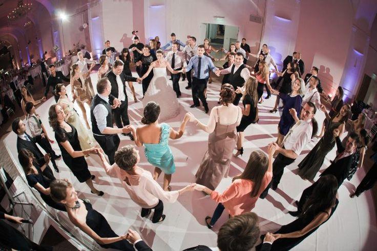 Croation traditional wedding dance