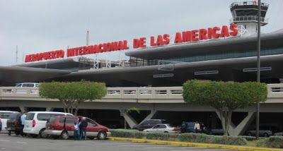 Revisando La Actualidad: Colapsa sistema de verificación en el aeropuerto L...