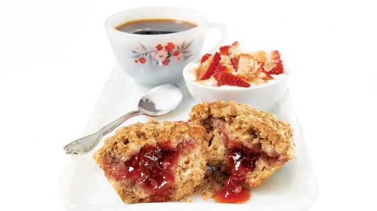 Muffins à l'avoine farcis aux fraises